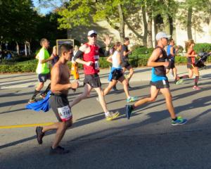 pete-chicago-marathon-2013